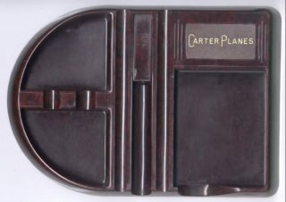 Carter Desk Tidy in bakelite. De-Luxe MEM-O-TRAY by Precision Plastics Pty Ltd Sydney, Pat. Regd.Design No. 28625